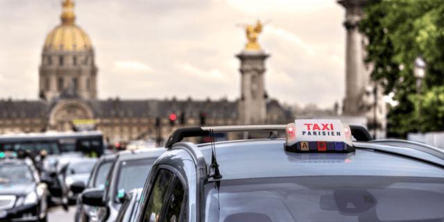 Comment se gère la TVA pour les notes de frais de taxi ?