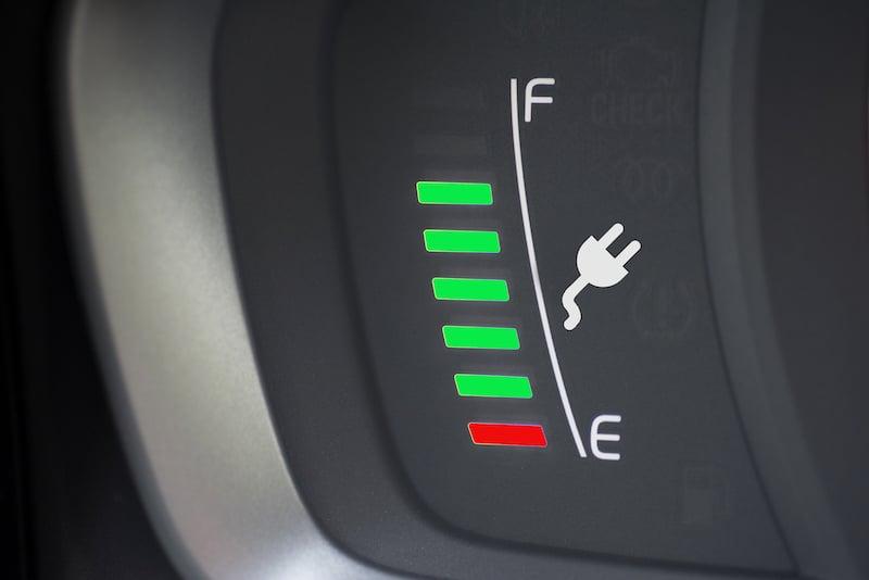 image-electrique-recharge-voiture-borne-badge