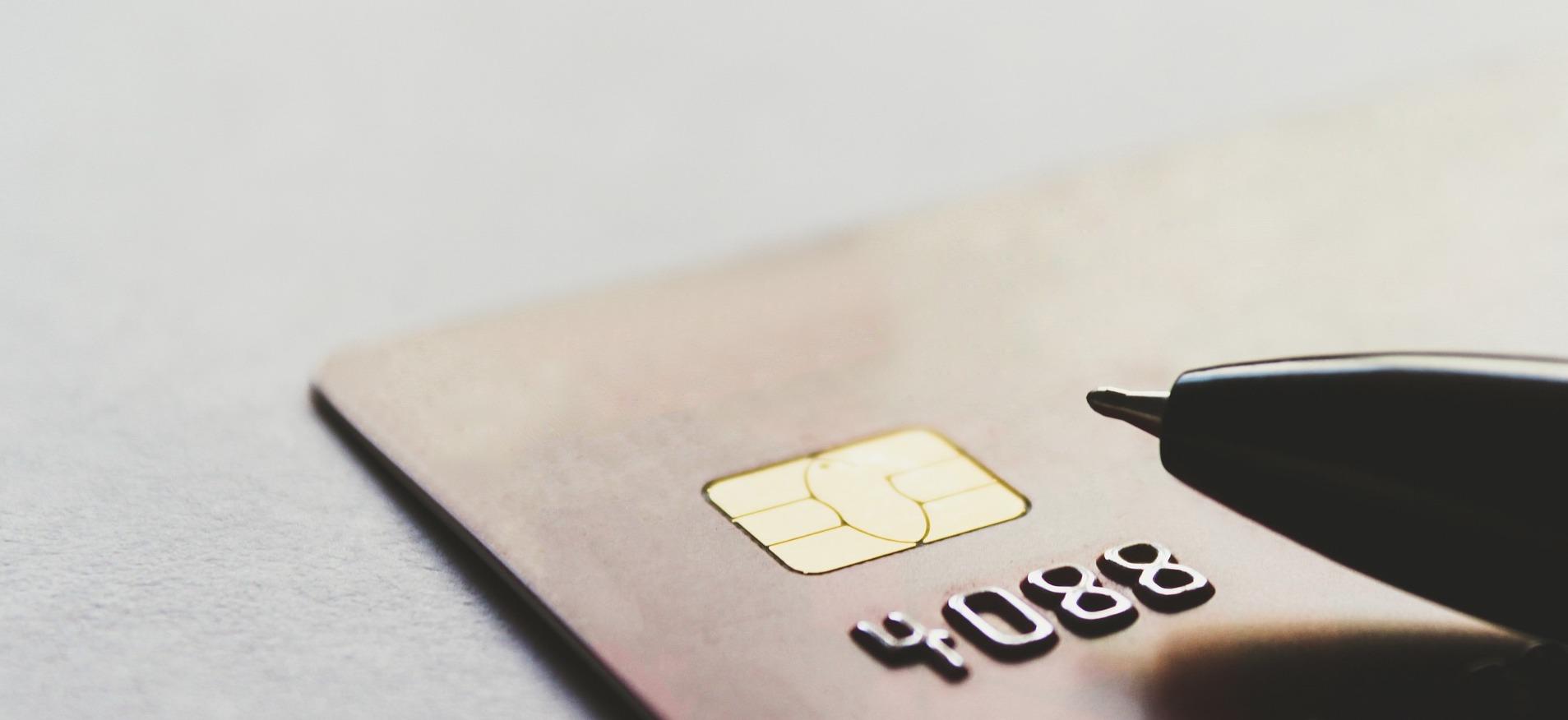 Quelle carte de paiement pour mon entreprise ? Entre choix financiers et avancées RH
