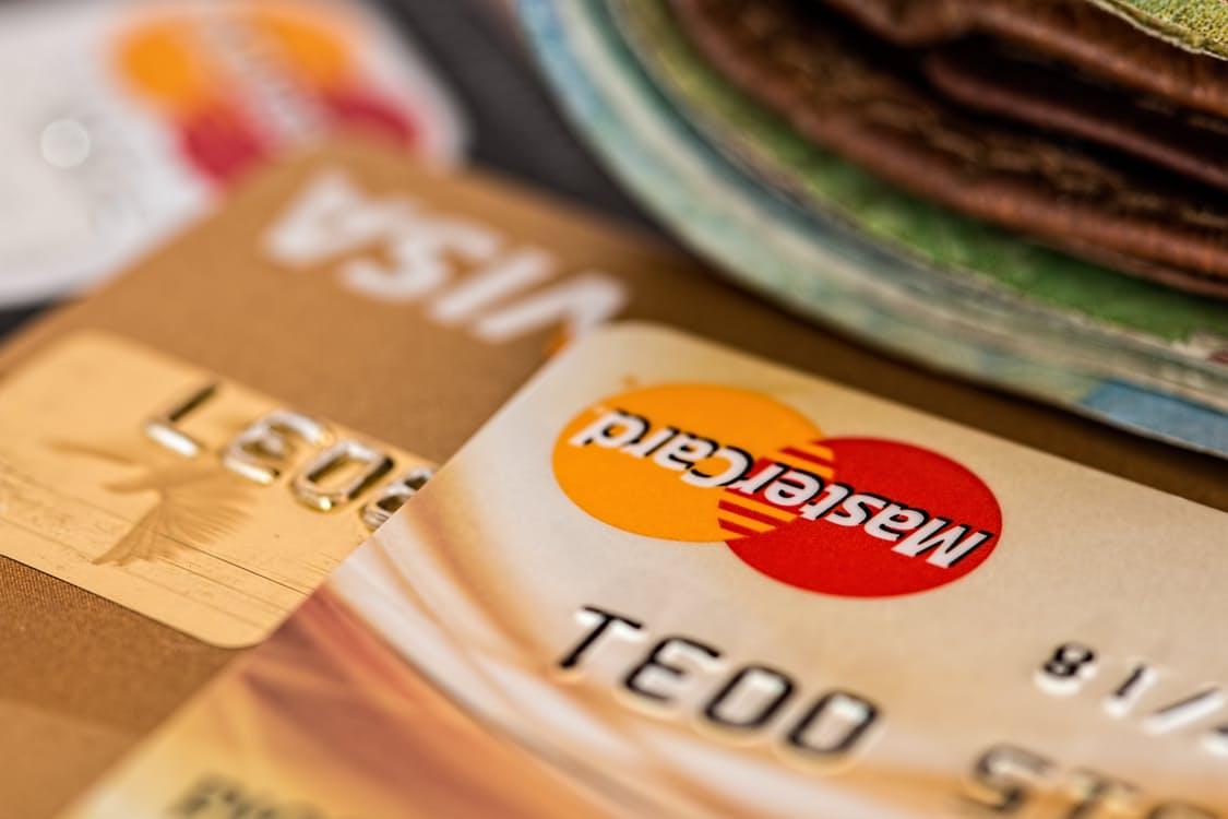 Cartes de paiement en entreprise : choix financiers et avancées RH